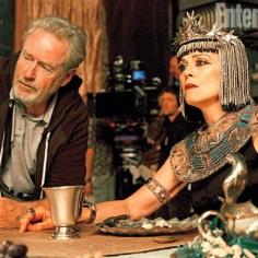 "Ridley Scott y Sigourney Weaver en ""Exodus: Gods and Kings""."